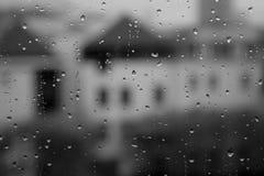 Gouttes de pluie sur la fenêtre Images libres de droits