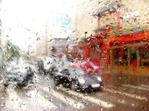 Gouttes de pluie sur la glace Images libres de droits
