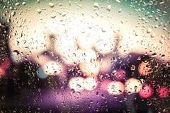Gouttes de pluie sur la glace Photo stock