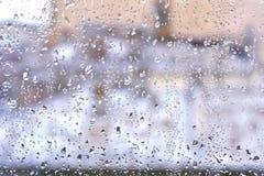 Gouttes de pluie sur un hublot Photo libre de droits