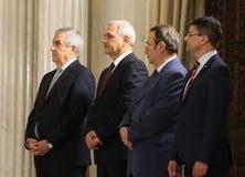 Gouvernement de Tudose - Jurer-dans la cérémonie - la politique roumaine photographie stock libre de droits