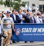 Gouverneur Andrew Cuomo am 55. Jahrbuch 'feiern israelische 'Parade in New York City lizenzfreie stockfotografie