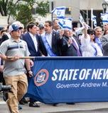 Gouverneur Andrew Cuomo am 55. Jahrbuch 'feiern israelische 'Parade in New York City lizenzfreie stockfotos
