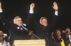 Gouverneur Bill Clinton an einer New Mexiko-Kampagnensammlung im Jahre 1992 an seinem letzten Tag von Werbetätigkeit, Albuquerque Stockbild