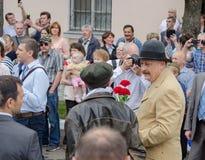Gouverneur van het gebied A van Leningrad Y Drozdenko bij het festival 89-ste verjaardag Slantsystad Stock Foto