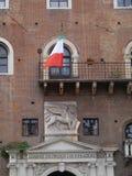 Governo-oalace mit dem geflügelten Löwe von Venezia Lizenzfreie Stockbilder