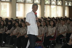 GOVERNOR OF CENTRAL JAVA TEACHING VOCATIONAL SCHOOL STUDENTS Royalty Free Stock Photography