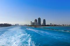 Governtment裁减运河在迈阿密 在b的豪华住宅区 库存图片