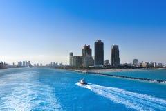 Governtment Rżnięty kanał w Miami Luksusowy obszar zamieszkały na b fotografia royalty free
