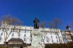 Goya Statue na frente do museu do Prado na cidade do Madri fotografia de stock