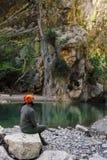 Goynukcanion Turkije met smaragdgroen meer die op rotsen wijzen Royalty-vrije Stock Afbeeldingen