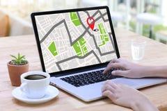 GPS översikt till gatan för läge för anslutning för ruttdestinationsnätverk Royaltyfri Bild
