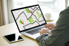 GPS översikt till gatan för läge för anslutning för ruttdestinationsnätverk Royaltyfri Foto