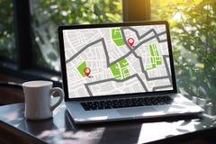 GPS översikt till gatan för läge för anslutning för ruttdestinationsnätverk Arkivbilder