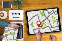 GPS översikt till läge för ruttdestination, gataöversikt med GPS symboler Royaltyfria Foton