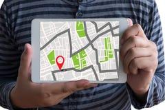 GPS översikt till läge för ruttdestination, gataöversikt med GPS symboler, Arkivfoto
