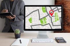 GPS составляет карту к улице положения сетевого подключения назначения трассы Стоковое Изображение RF