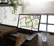GPS составляет карту к улице положения сетевого подключения назначения трассы Стоковое Изображение