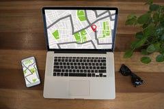 GPS составляет карту к улице положения сетевого подключения назначения трассы Стоковые Изображения RF