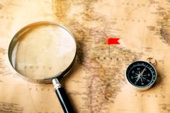 GPS auf alter Karte Stockfoto