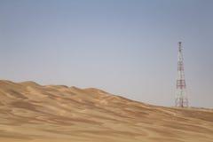 GPS-Basisstation in einer Wüste lizenzfreies stockfoto