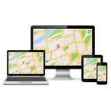 GPS-kaart op vertoning van moderne digitale apparaten Stock Fotografie