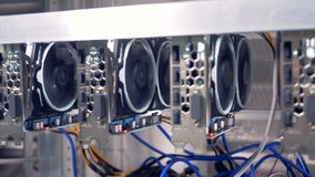 GPU σε μια σειρά για τη μεταλλεία bitcoin απόθεμα βίντεο
