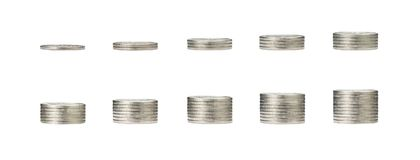 Gráfico cada vez mayor del dinero en 1 a 10 filas de la moneda y de la pila de la plata c Imagen de archivo libre de regalías