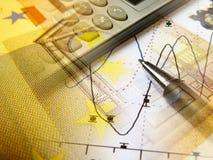 Gráfico, calculadora y dinero, collage fotos de archivo libres de regalías