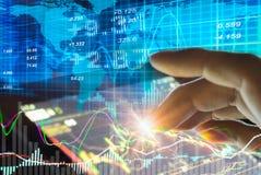 Gráfico de dados do mercado de valores de ação e financeiro com análise conservada em estoque ind Fotografia de Stock Royalty Free