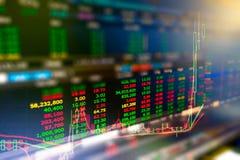 Gráfico de negocio y monitor del comercio de la inversión en cryptocurrency Imágenes de archivo libres de regalías