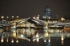 Gráfico de un puente. Fotos de archivo