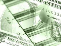 Gráfico e dinheiro (nos verdes) Fotografia de Stock