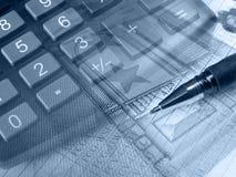 Gráfico, pena, dinheiro e teclado, colagem nos azuis Foto de Stock Royalty Free