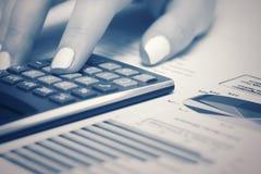 Gráficos del mercado de acción de la contabilidad financiera Imagen de archivo libre de regalías