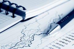Gráficos do mercado de valores de acção. imagem de stock royalty free