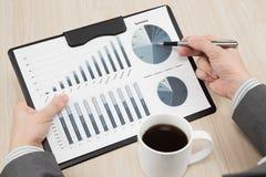 Gráficos e cartas analisados Imagem de Stock