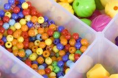 Grânulos coloridos imagens de stock royalty free