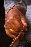 Grânulos de oração, templo tibetano de Drubgon Jangchup Choeling, Kathmand Fotografia de Stock Royalty Free