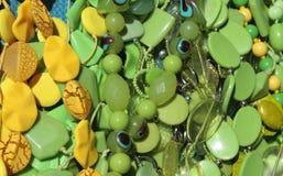Grânulos verdes e amarelos Fotos de Stock Royalty Free