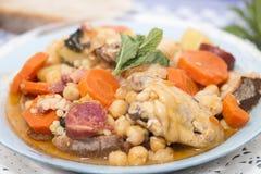 Grão-de-bico com refeição da galinha Fotografia de Stock Royalty Free