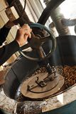 Grãos-de-bico Roasted no moinho de Turquia Foto de Stock
