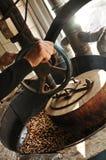 Grãos-de-bico Roasted no moinho de Turquia Fotos de Stock Royalty Free