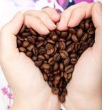 Grãos de café do coração Imagens de Stock Royalty Free