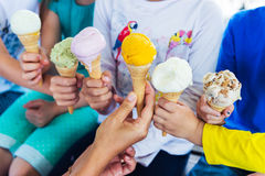 6 grãos do gelado colorido que guarda por crianças Imagens de Stock