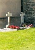 Gräber mit Blumen Lizenzfreie Stockfotografie