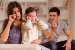 Grälar mellan föräldrar royaltyfria foton