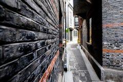 Gränd i den gamla Kina staden Arkivbilder