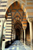 Gränd i farstun av den Amalfi domkyrkan Fotografering för Bildbyråer