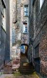 Gränd i gammal stad för Edinburg Royaltyfri Fotografi